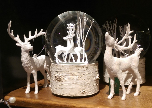 brumms-white-deer-display-72